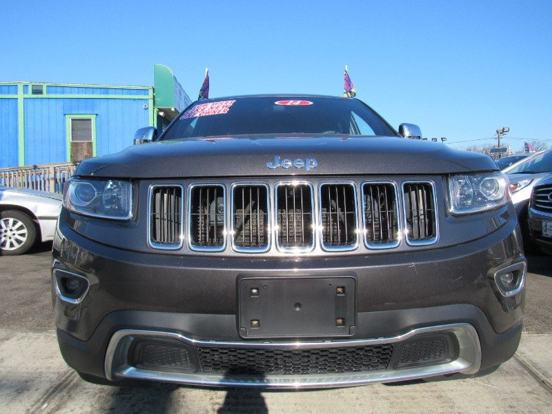 2014 Jeep Grand Cherokee 4WD 4dr Laredo, available for sale in Irvington, New Jersey | NJ Used Cars Center. Irvington, New Jersey