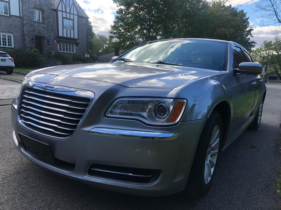 Used 2014 Chrysler 300 in Bronx, New York | TNT Auto Sales USA inc. Bronx, New York
