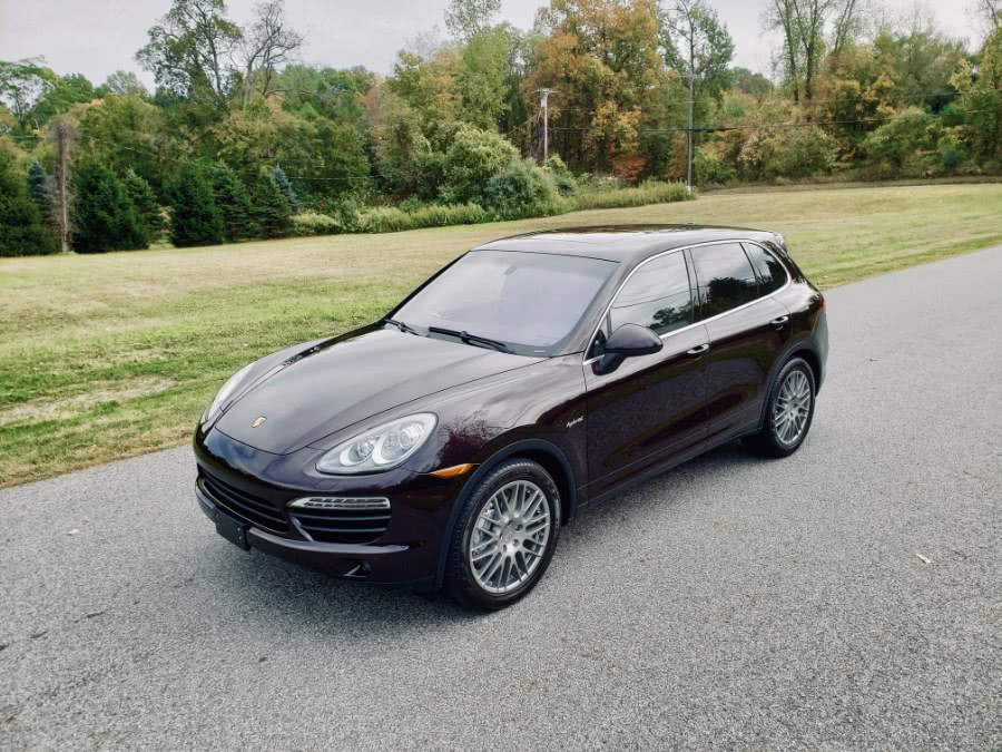 Used 2011 Porsche Cayenne in North Salem, New York | Meccanic Shop North Inc. North Salem, New York
