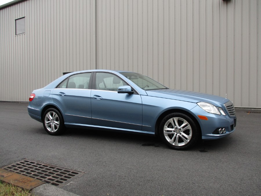 2010 Mercedes-Benz E-Class 4dr Sdn E350 Luxury 4MATIC, available for sale in Danbury, Connecticut | Performance Imports. Danbury, Connecticut