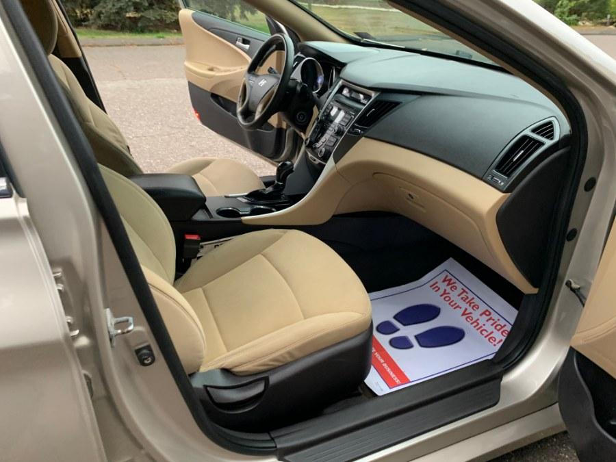 2011 Hyundai Sonata 4dr Sdn 2.4L Auto GLS *Ltd Avail*, available for sale in Waterbury, Connecticut | Platinum Auto Care. Waterbury, Connecticut