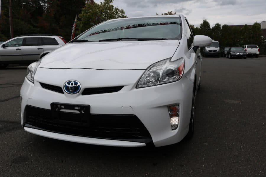 Used 2015 Toyota Prius in Bristol, Connecticut | Dealmax Motors LLC. Bristol, Connecticut