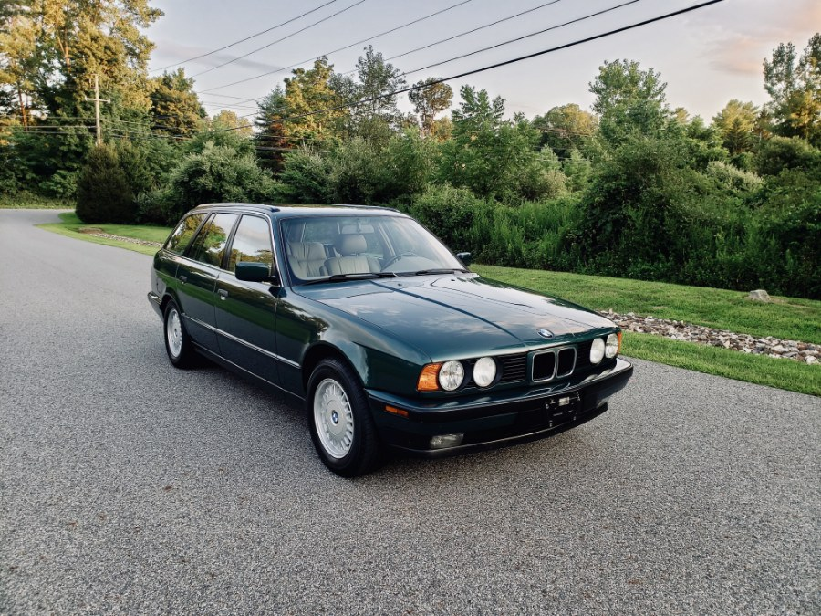 1993 BMW 5 Series 5dr Sports Touring Wagon 525iT, available for sale in North Salem, New York | Meccanic Shop North Inc. North Salem, New York