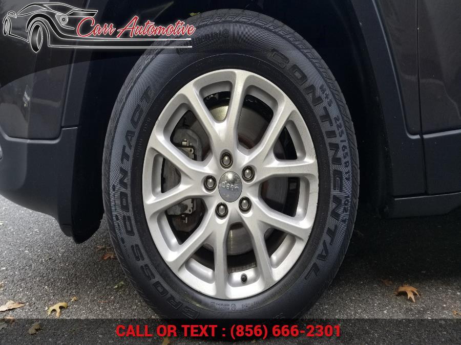 Used Jeep Cherokee Latitude 4x4 2017 | Carr Automotive. Delran, New Jersey