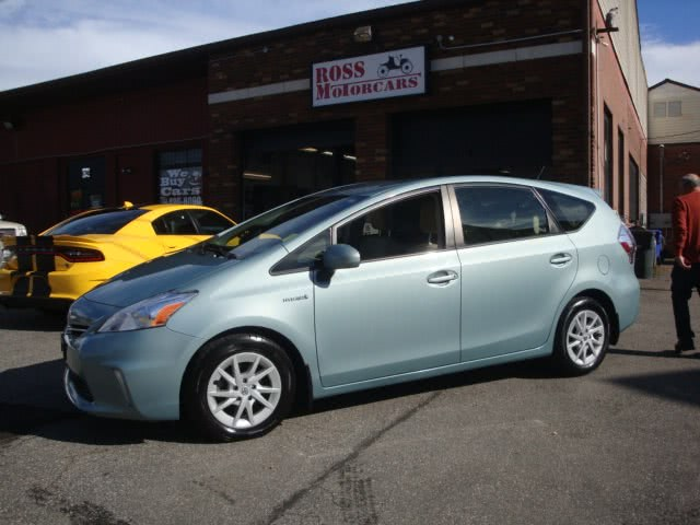 Used Toyota Prius v 5dr Wgn Two (Natl) 2013 | Ross Motorcars. Torrington, Connecticut