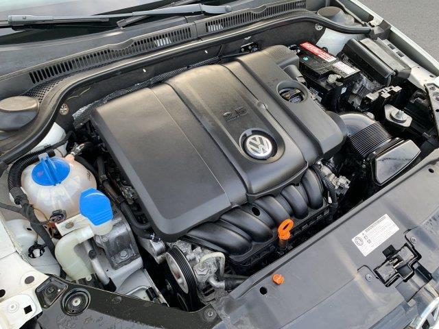 2011 Volkswagen Jetta Sedan SE w/Convenience PZEV, available for sale in Cincinnati, Ohio | Luxury Motor Car Company. Cincinnati, Ohio