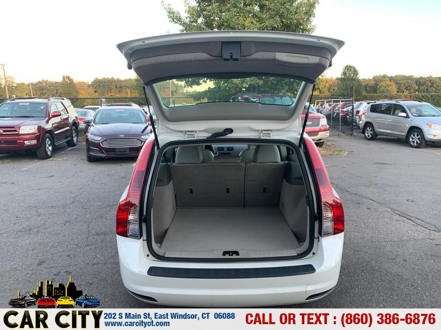 2009 Volvo V50 4dr Wgn 2.4L FWD, available for sale in East Windsor, Connecticut | Car City LLC. East Windsor, Connecticut