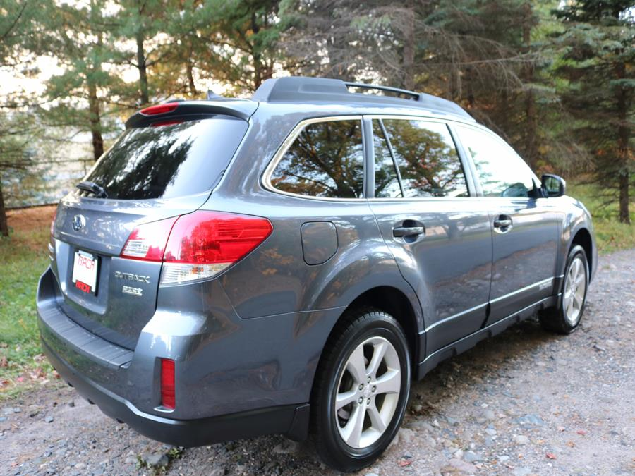 2014 Subaru Outback 4dr Wgn H4 Auto 2.5i Limited, available for sale in Canton , Connecticut | Bach Motor Cars. Canton , Connecticut