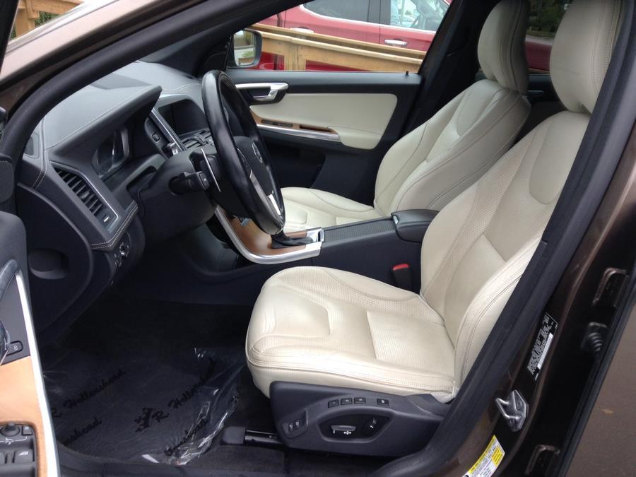 Used Volvo XC60 AWD 4dr T6 Platinum 2015 | Eurocars Plus. Groton, Connecticut