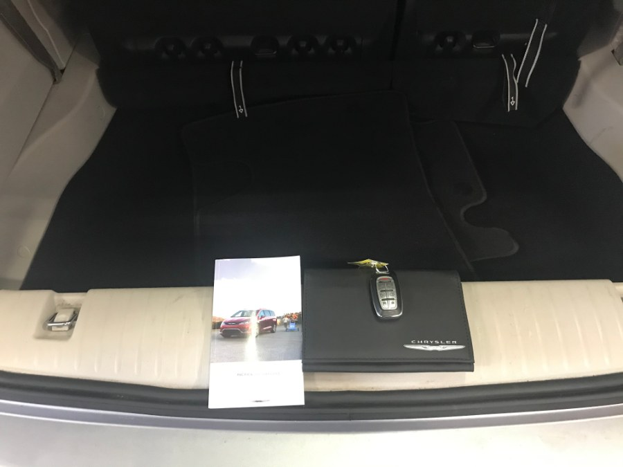 2017 Chrysler Pacifica Touring-L FWD, available for sale in Massapequa Park, New York | Autovanta. Massapequa Park, New York