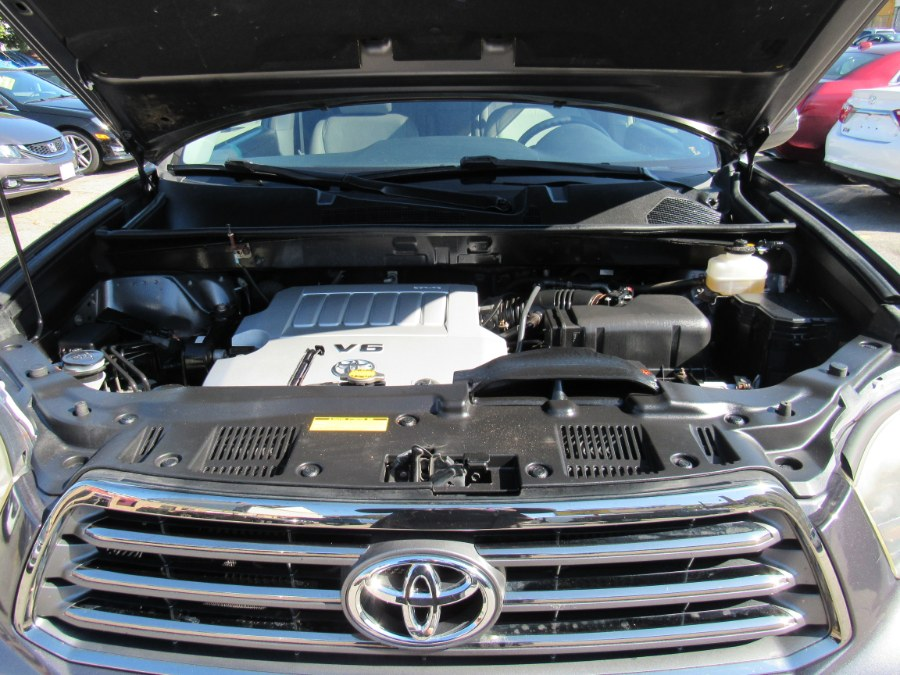 2008 Toyota Highlander 4WD 4dr Sport, available for sale in Worcester, Massachusetts | Hilario's Auto Sales Inc.. Worcester, Massachusetts