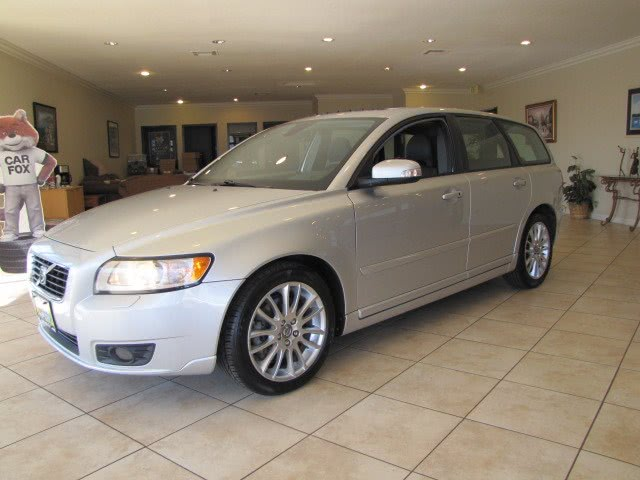 Used Volvo V50 4dr Wgn Auto FWD w/Moonroof 2010 | Auto Network Group Inc. Placentia, California