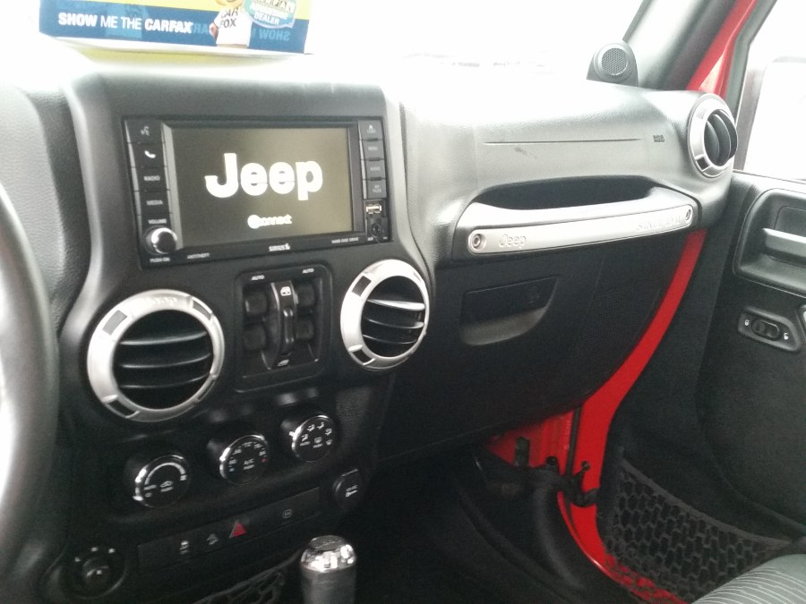 2012 Jeep Wrangler Unlimited 4WD 4dr Sahara, available for sale in Berlin, Connecticut | Action Automotive. Berlin, Connecticut