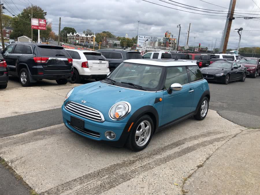 Used 2010 MINI Cooper Hardtop in W Springfield, Massachusetts | Dean Auto Sales. W Springfield, Massachusetts