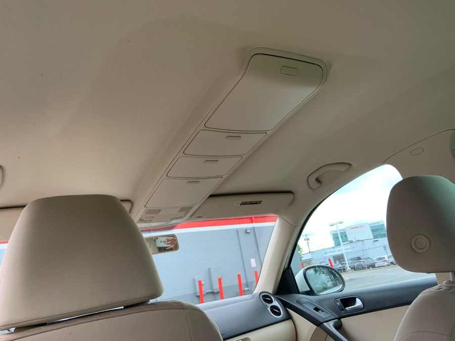 Used Volkswagen Tiguan AWD 4dr SE 2009 | A-Tech. Medford, Massachusetts