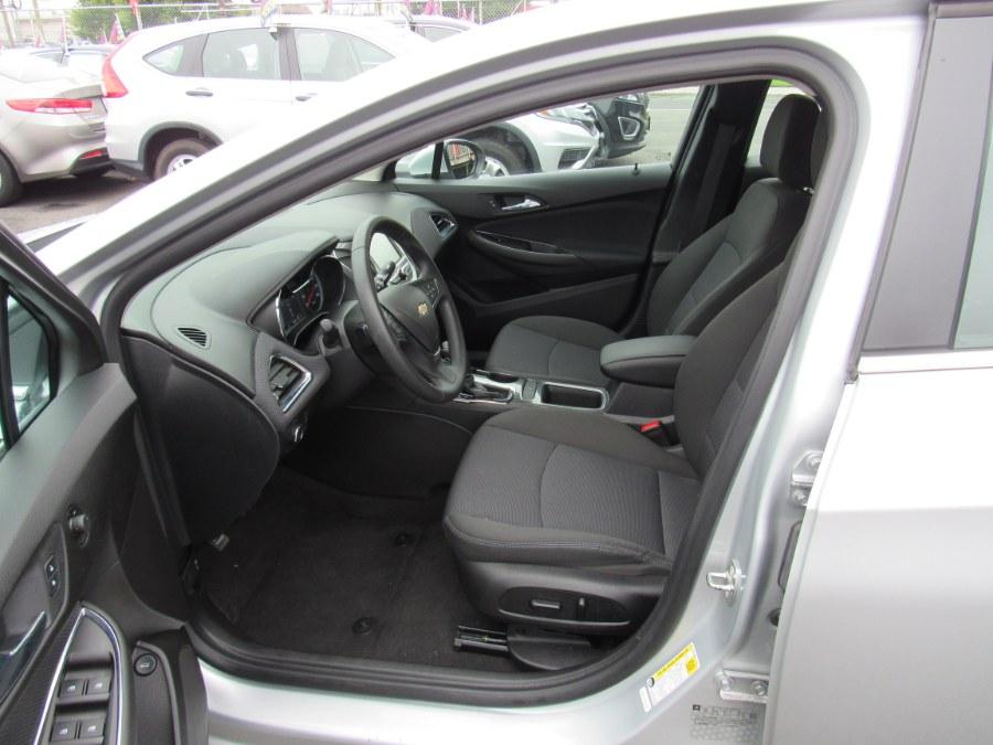 Used Chevrolet Cruze 4dr Sdn 1.4L LT w/1SD 2018 | NJ Used Cars Center. Irvington, New Jersey