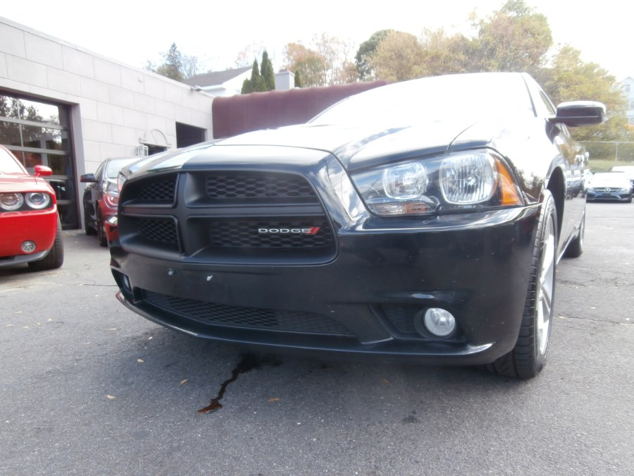 2013 Dodge Charger 4dr Sdn SXT AWD, available for sale in Waterbury, Connecticut | Jim Juliani Motors. Waterbury, Connecticut