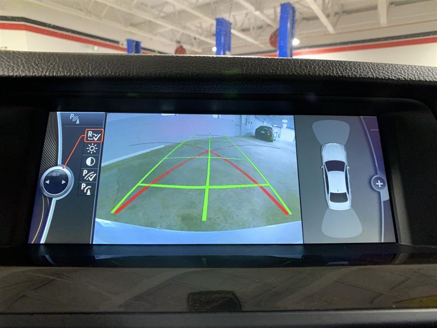 Used BMW 5 Series 4dr Sdn 528i xDrive AWD 2012 | Wiz Leasing Inc. Stratford, Connecticut