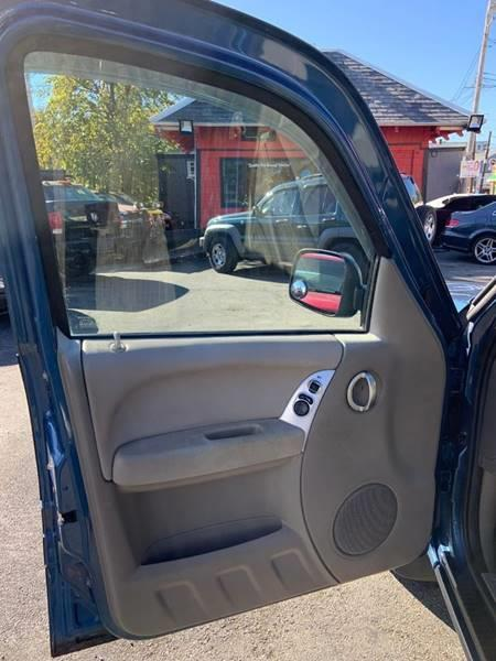 Used Jeep Liberty Limited 4WD 4dr SUV 2004   Mass Auto Exchange. Framingham, Massachusetts