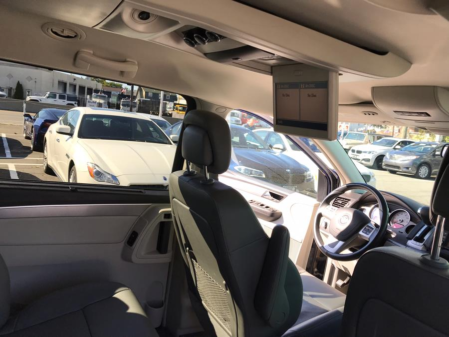 2014 Volkswagen Routan 4dr Wgn SE w/RSE & Navigation, available for sale in Hillside, New Jersey | M Sport Motor Car. Hillside, New Jersey
