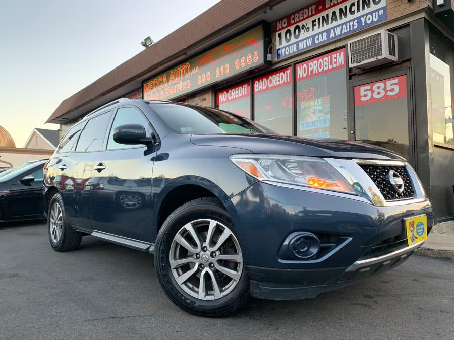 Used 2013 Nissan Pathfinder in Hartford, Connecticut | Mecca Auto LLC. Hartford, Connecticut