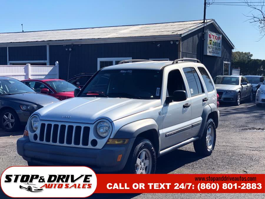 2006 Jeep Liberty 4dr Sport 4WD, available for sale in East Windsor, Connecticut | Stop & Drive Auto Sales. East Windsor, Connecticut