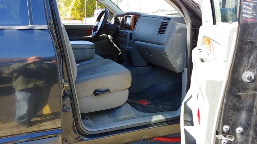 2006 Dodge Ram 1500 4dr Mega Cab 160.5 4WD SLT, available for sale in Ansonia, CT