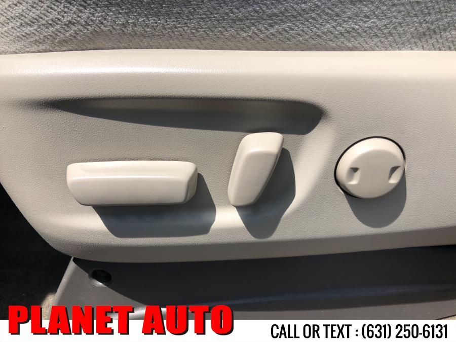 Used Toyota Sienna 5dr 7-Pass Van V6 LE AAS FWD 2013 | Planet Auto Group. Huntington Station, New York