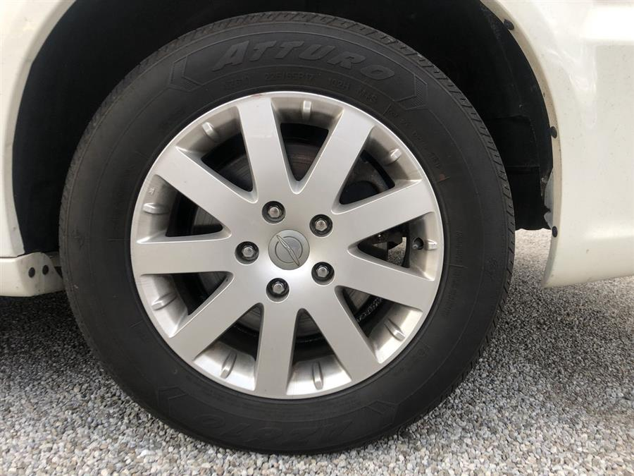 2013 Chrysler Town & Country 4dr Wgn Touring, available for sale in Elida, Ohio | Josh's All Under Ten LLC. Elida, Ohio