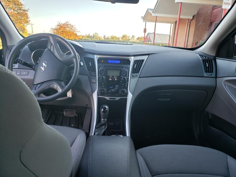 2011 Hyundai Sonata 4dr Sdn 2.4L Auto GLS *Ltd Avail*, available for sale in East Windsor, Connecticut | A1 Auto Sale LLC. East Windsor, Connecticut