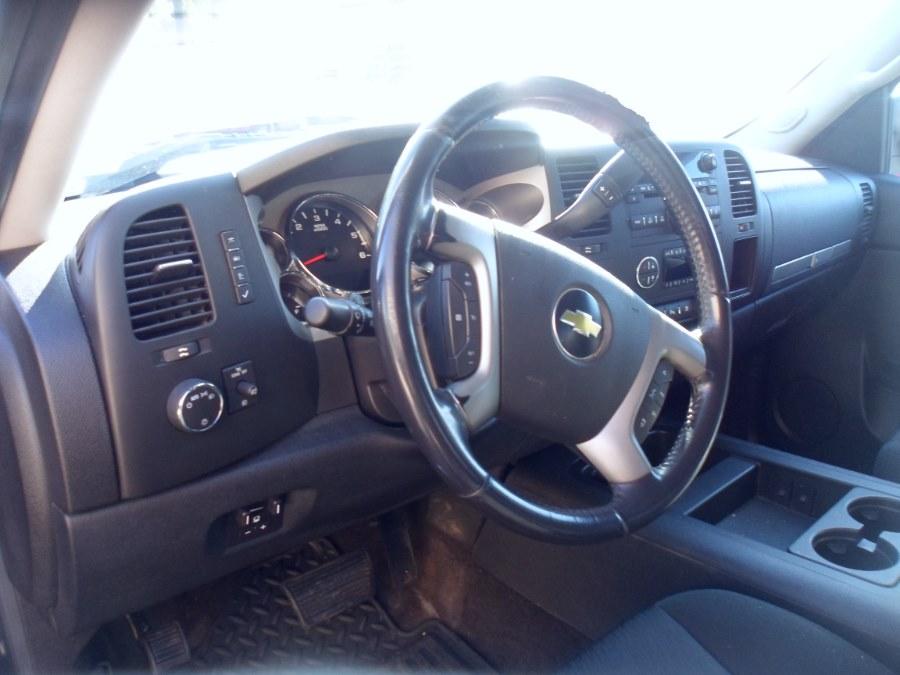 2011 Chevrolet Silverado 2500HD 4WD Crew Cab 167.7