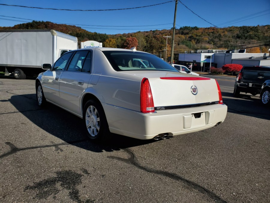 2010 Cadillac DTS 4dr Sdn w/1SA, available for sale in Thomaston, CT