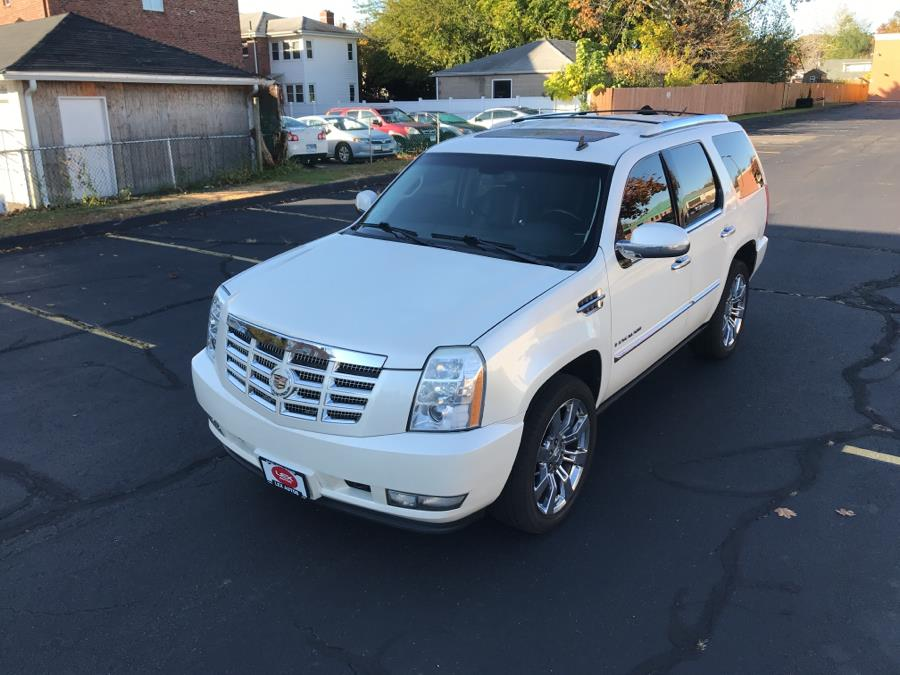 2008 Cadillac Escalade AWD 4dr, available for sale in Hartford, Connecticut | Lex Autos LLC. Hartford, Connecticut