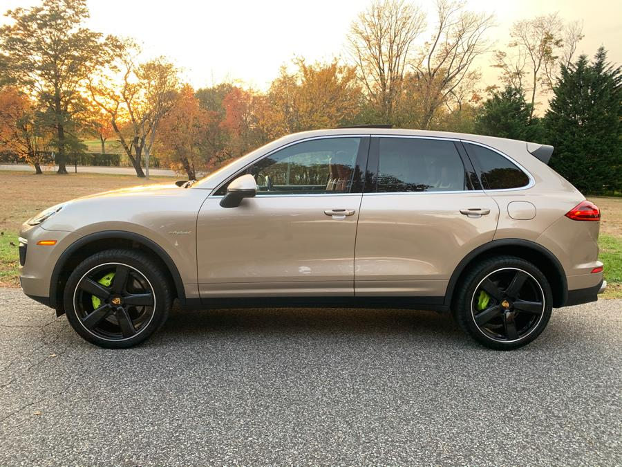 2016 Porsche Cayenne AWD 4dr S E-Hybrid, available for sale in Franklin Square, New York | Luxury Motor Club. Franklin Square, New York