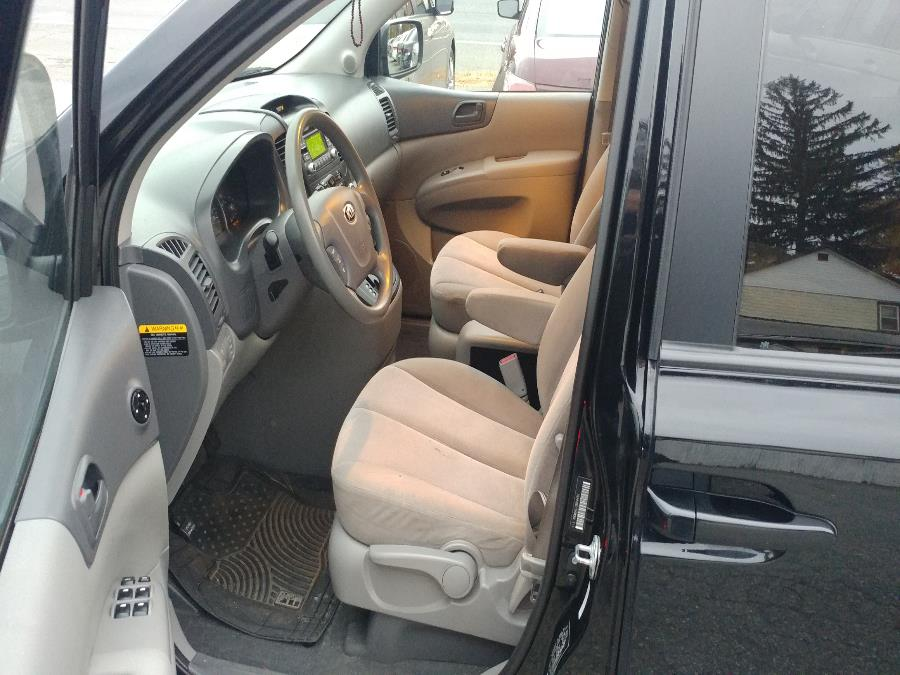 Used Kia Sedona 4dr Wgn LX 2014 | Matts Auto Mall LLC. Chicopee, Massachusetts