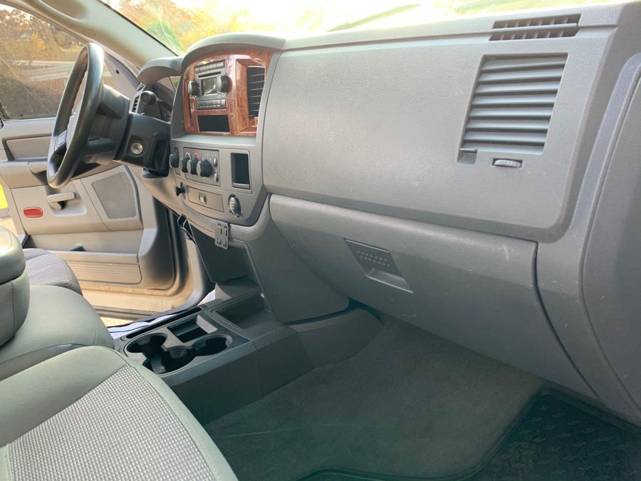 Used Dodge Ram 2500 4dr Mega Cab 160.5 4WD SLT 2006   Platinum Auto Care. Waterbury, Connecticut