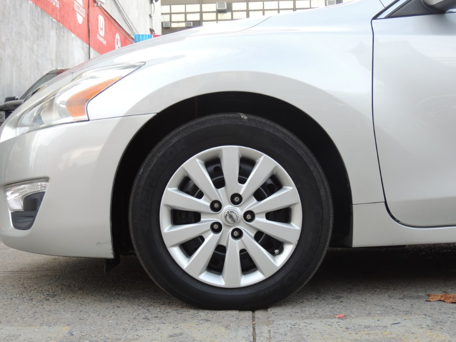 2014 Nissan Altima 4dr Sdn I4 2.5 S, available for sale in Brooklyn, New York | Carsbuck Inc.. Brooklyn, New York
