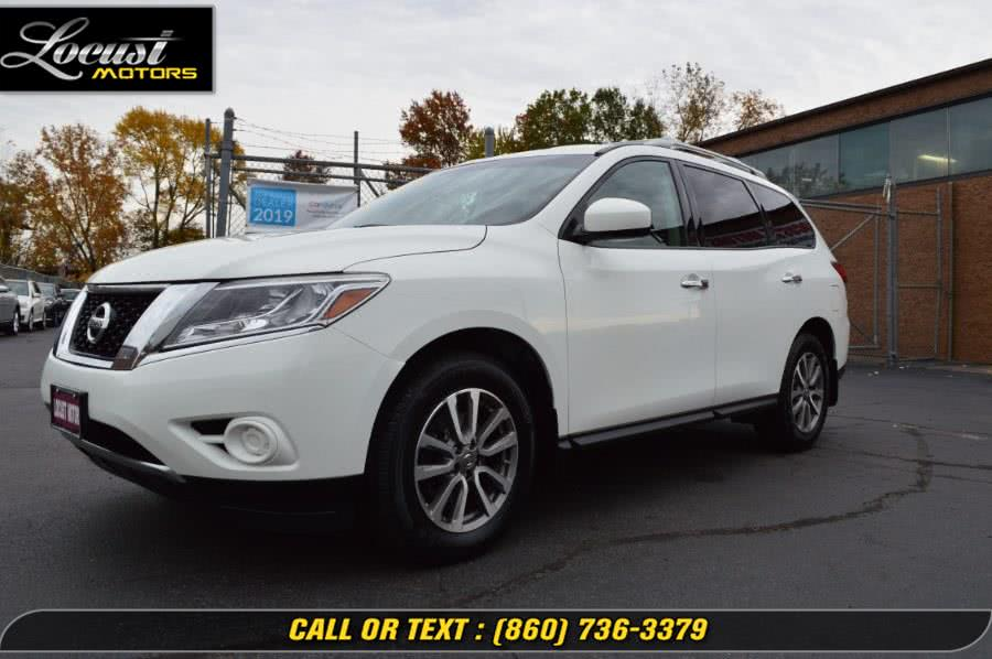 Used 2015 Nissan Pathfinder in Hartford, Connecticut | Locust Motors LLC. Hartford, Connecticut