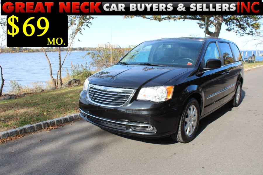 Used 2012 Chrysler Town & Country in Great Neck, New York