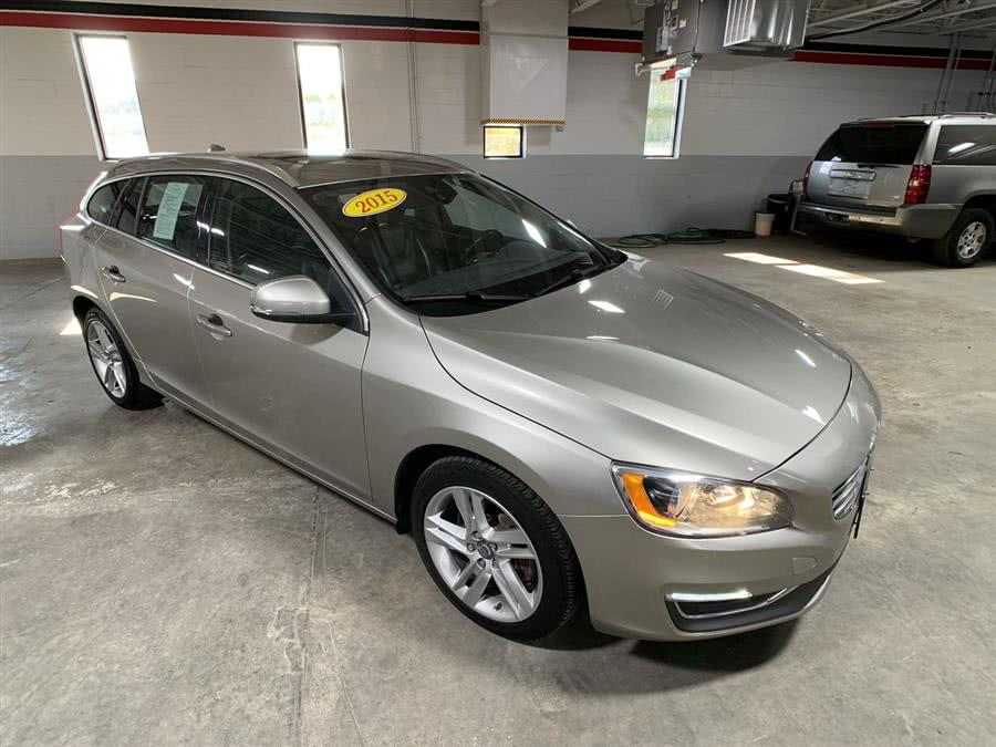 Used 2015 Volvo V60 in Stratford, Connecticut | Wiz Leasing Inc. Stratford, Connecticut