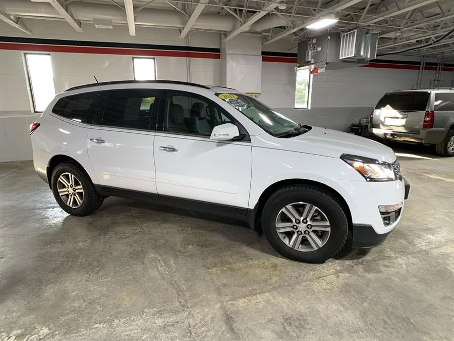 Used Chevrolet Traverse AWD 4dr LT w/1LT 2017 | Wiz Leasing Inc. Stratford, Connecticut