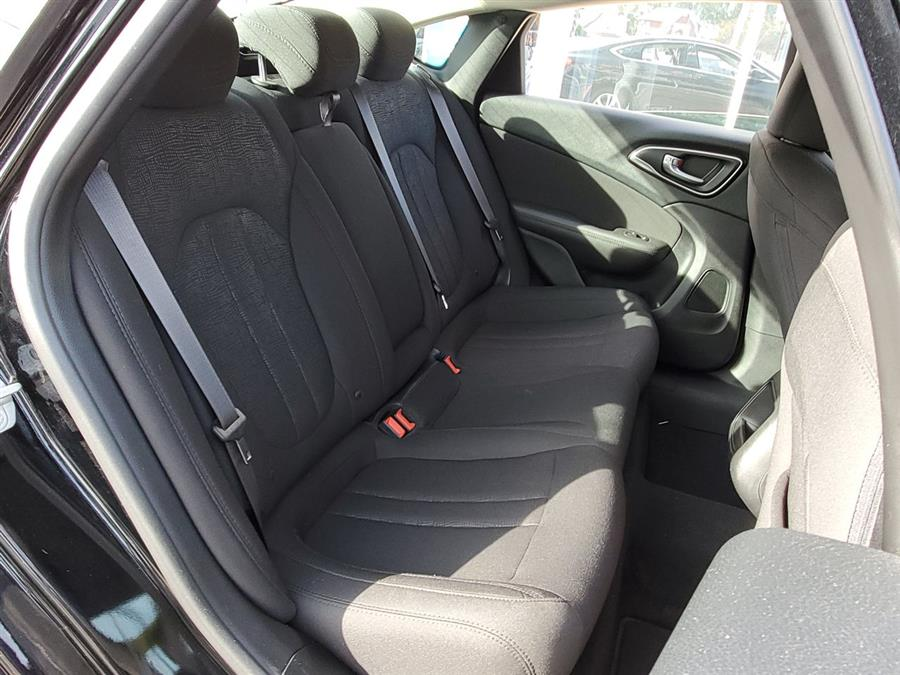2016 Chrysler 200 4dr Sdn Limited FWD, available for sale in Jamaica, New York | Hillside Auto Mall Inc.. Jamaica, New York