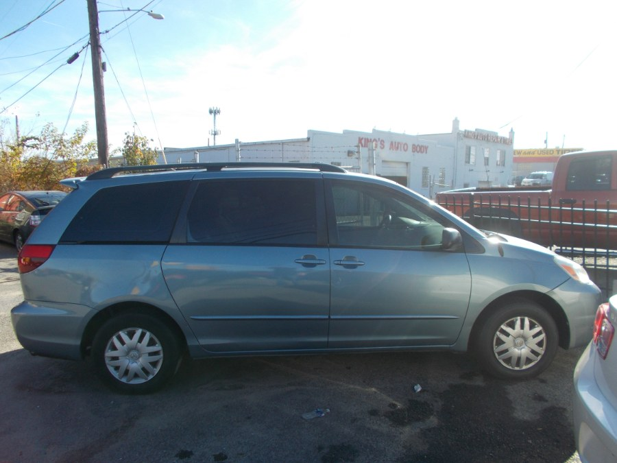 2005 Toyota Sienna 5dr LE FWD 7-Passenger (Natl), available for sale in Temple Hills, Maryland   Temple Hills Used Car. Temple Hills, Maryland