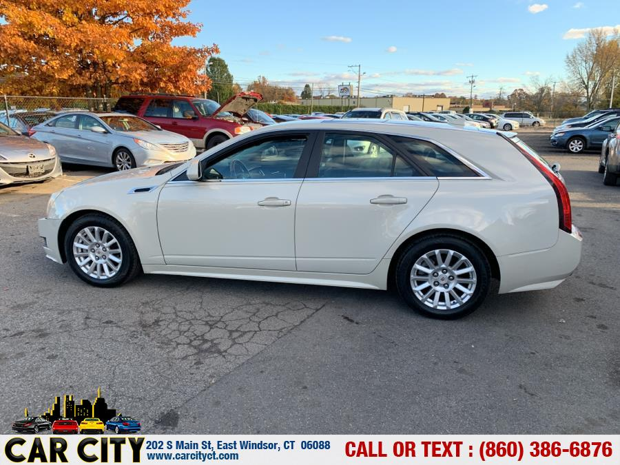 2011 Cadillac CTS Wagon 5dr Wgn 3.0L Luxury AWD, available for sale in East Windsor, Connecticut | Car City LLC. East Windsor, Connecticut