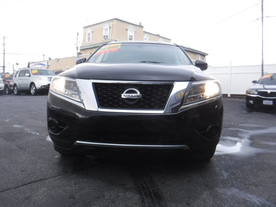 2013 Nissan Pathfinder 4WD 4dr SV, available for sale in Philadelphia, Pennsylvania | Eugen's Auto Sales & Repairs. Philadelphia, Pennsylvania