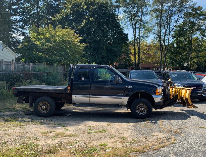 2000 Ford Super Duty F-350 SRW xlt, available for sale in Danbury, Connecticut | Car City of Danbury, LLC. Danbury, Connecticut