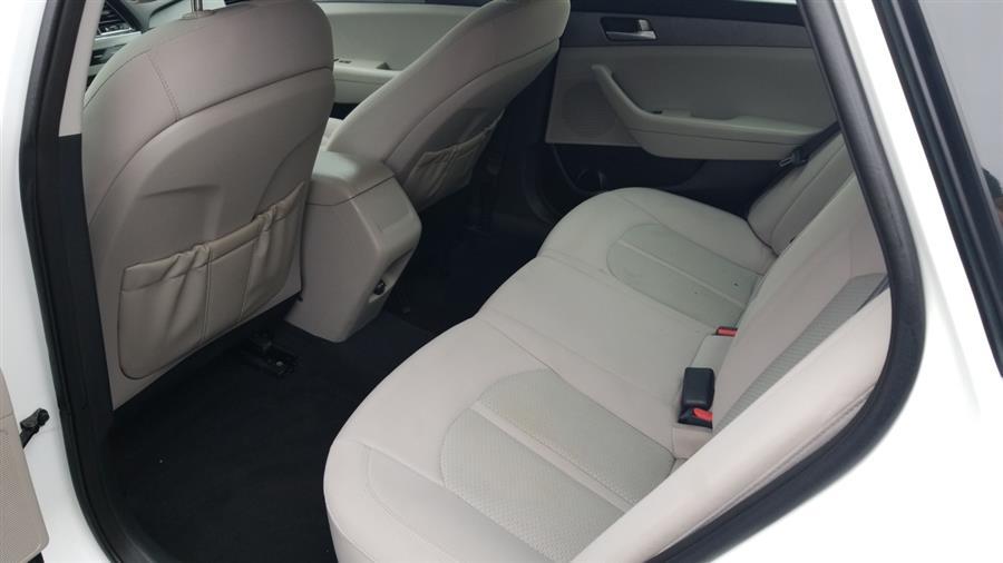 2015 Hyundai Sonata 4dr Sdn 2.4L SE, available for sale in Bronx, New York | New York Motors Group Solutions LLC. Bronx, New York