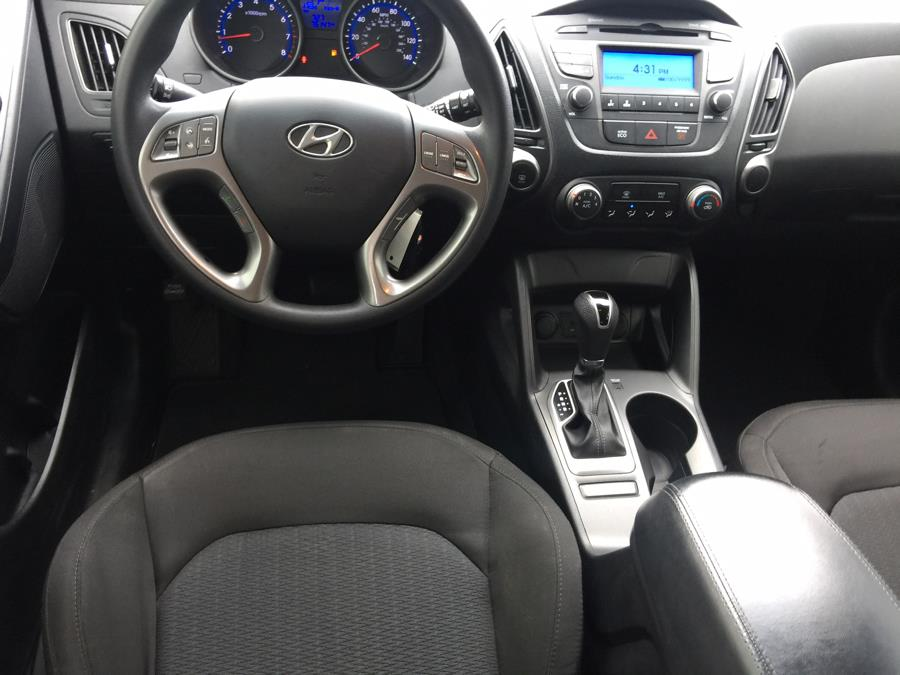 2015 Hyundai Tucson AWD 4dr GLS, available for sale in Stratford, Connecticut | Mike's Motors LLC. Stratford, Connecticut