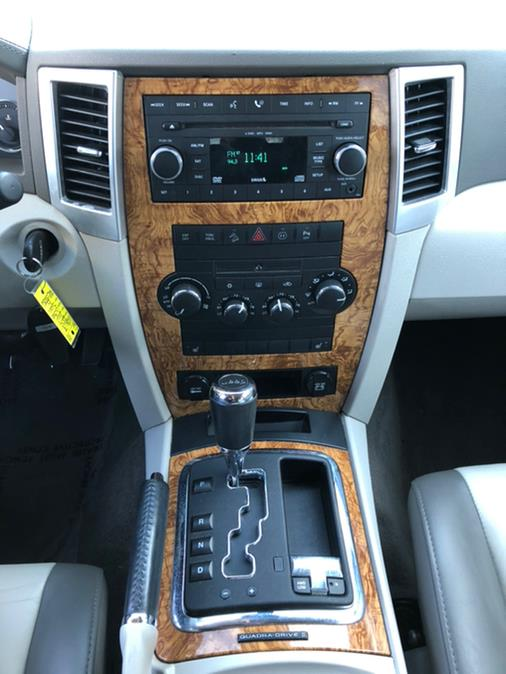 2009 Jeep Grand Cherokee HEMI 4WD 4dr Limited, available for sale in Lindenhurst, New York | Rite Cars, Inc. Lindenhurst, New York