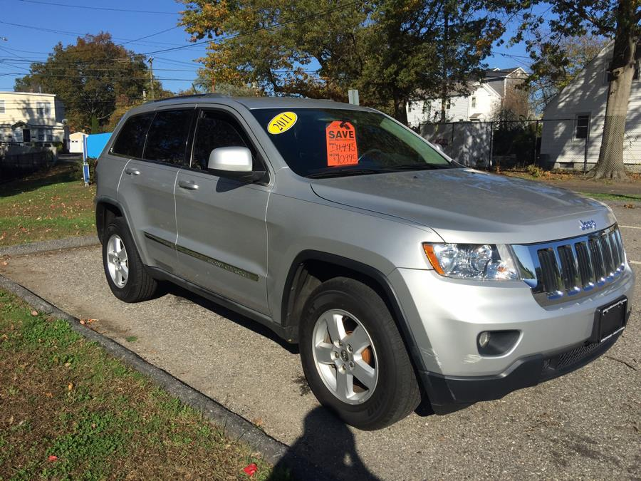 2011 Jeep Grand Cherokee 4WD 4dr Laredo, available for sale in Stratford, Connecticut | Mike's Motors LLC. Stratford, Connecticut